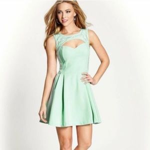 Guess Mint Dress | Size 6 | Great Condition